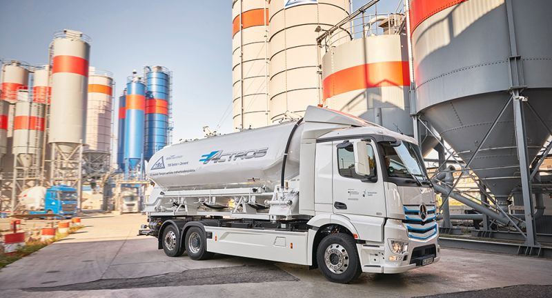 Daimler Trucks, Daimler Global MediaSite, eActros, Press Archives, Trucks, Commercial Vehicles, Neue Motive 2018, Mercedes-Benz, MediaSite, Brands & Products, Praxistest des eActros startet in Mannheim: Mercedes-Benz Trucks, 10 - 2018, Press Releases sorted by years, 2018