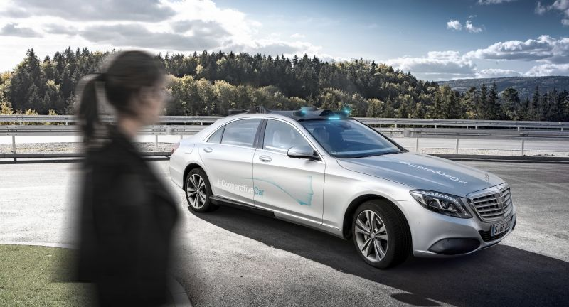 """Mercedes-Benz Cars, Technology, Daimler Global MediaSite, MediaSite, Brands & Products, Vehicles & Traffic, 11 - 2018, Events, Mercedes-Benz FutureInsight: """"Human first"""": empathy as anchor in, Press Releases sorted by years, 2018"""