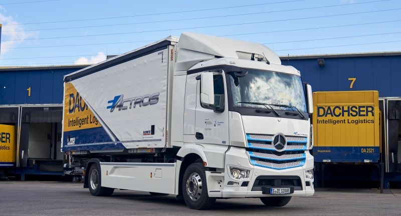 Daimler Trucks, Technology, Daimler Global MediaSite, eActros, Electric mobility, Trucks, Safety, Mercedes-Benz, MediaSite, 11 - 2019, Brands & Products, Special Topics, Progress report from Mercedes-Benz Trucks: eActros electric truc, 2019, Press Releases sorted by years