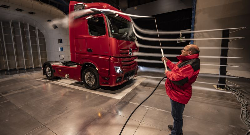 Daimler Trucks Annual Talk 2020, Events, NFZ Mercedes-Benz, MB - NFZ Veranstaltungen, Mercedes-Benz, Trucks, MediaSite, 2020 - Actros - Erprobung Windkanal, Press Releases sorted by years, Daimler Global MediaSite, 02 - 2020, Press Archives, Jahrespressegespräch Trucks 2020, Actros, Actros ab 2019, Brands & Products, Mercedes-Benz Veranstaltungen 2020, Economy from good aerodynamics: the new Actros is trimmed for ef, Product Pictures, Daimler Trucks, 2020
