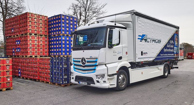 Daimler Trucks, Technology, Daimler Global MediaSite, Press Archives, eActros, Electric mobility, Trucks, Trucks & Buses, Neue Motive 2020, Mercedes-Benz, Final customer assignment as part of the ?Innovation Fleet?, 04 - 2021, MediaSite, Brands & Products, 2021, Press Releases sorted by years